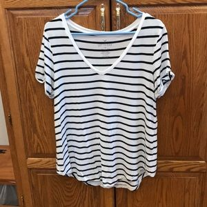 American Eagle Outfitters Tops - AEO Soft & Sexy V-neck tee